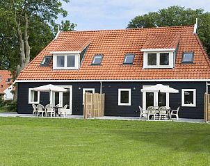 Guest house 040136 • Holiday property Ameland • Super de luxe 8 peroons vakantiewoning